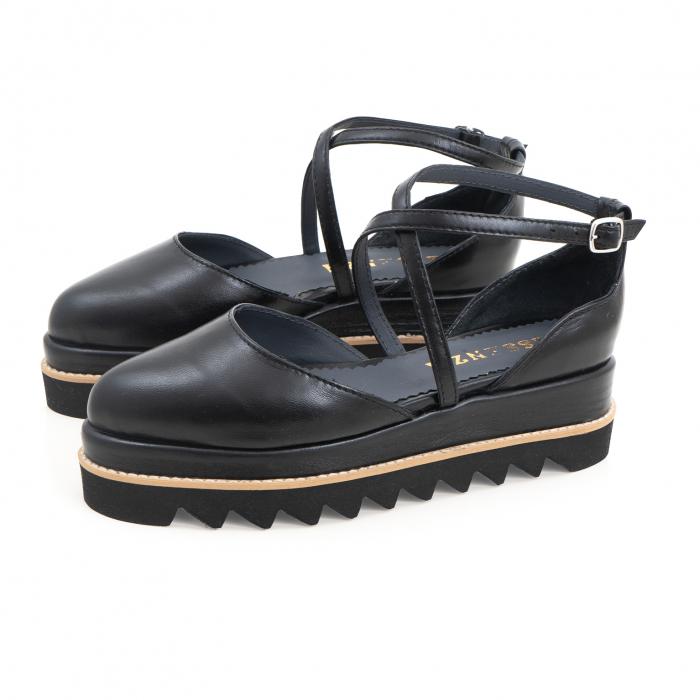 Pantofi decupati, din piele naturala neagra 1