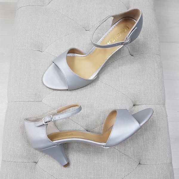 Sandale din piele gri, cu toc conic 0