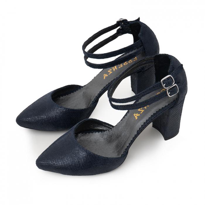 Pantofi decupati, cu barete duble, din piele naturala bleomarin cu textura 2