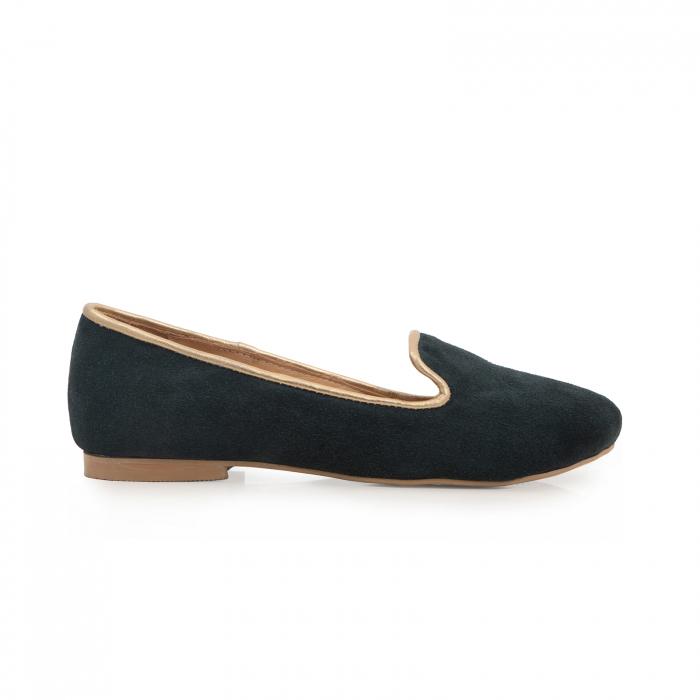 Pantofi confortabili si foarte usori, relizati din piele naturala intoarsa verde inchis, cu paspol decorativ auriu [0]