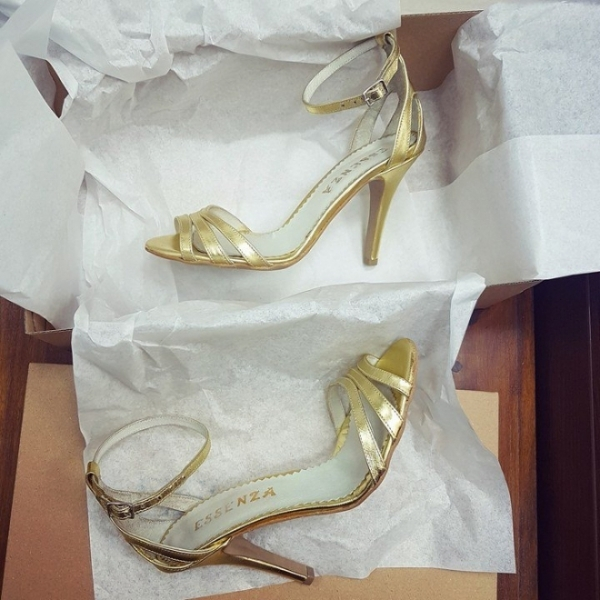 Sandale din piele aurie 0
