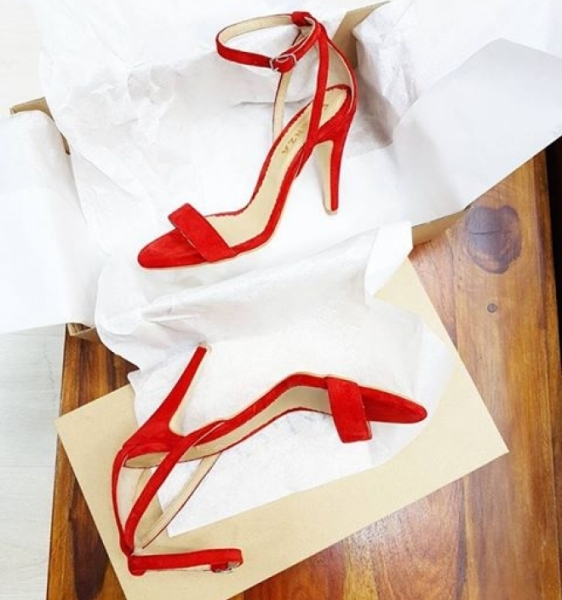Sandale din piele intoarsa rosie 0