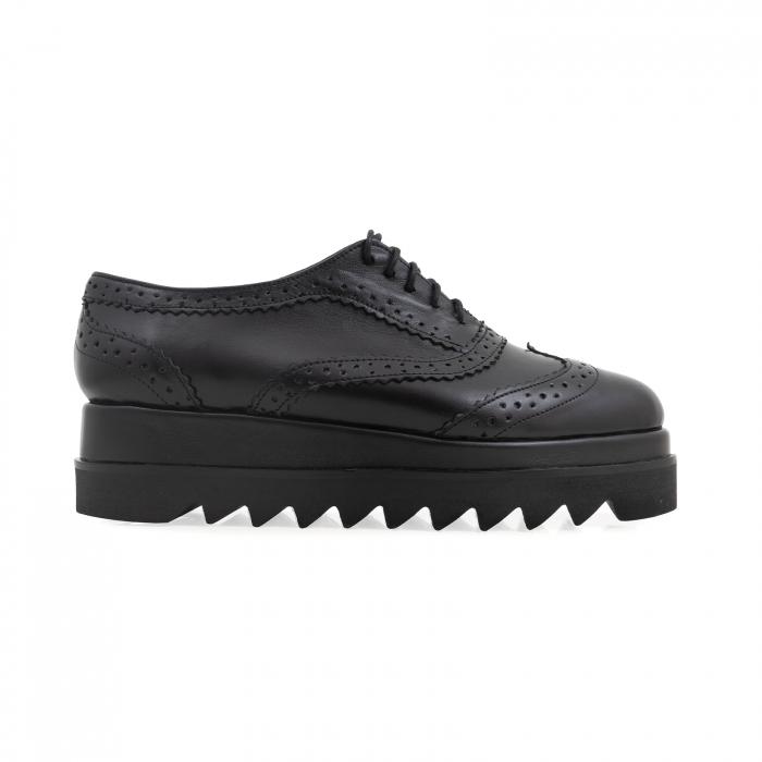Pantofi din piele natruala neagra, cu perforatii si talpa dubla 0
