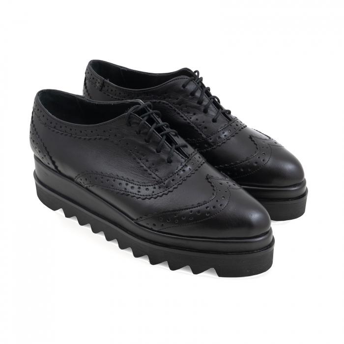 Pantofi din piele natruala neagra, cu perforatii si talpa dubla 1