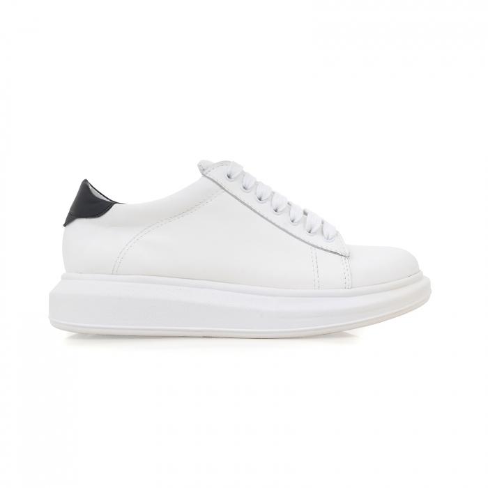 Pantofi cu talpă groasă, realizati din piele naturala alba 0