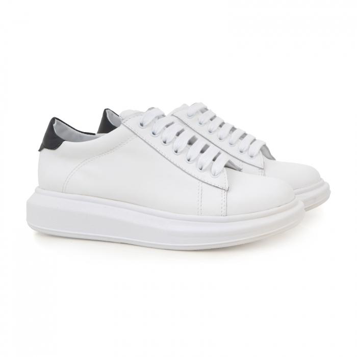 Pantofi cu talpă groasă, realizati din piele naturala alba 1