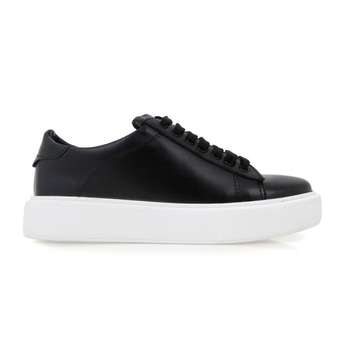 Pantofi cu talpă alba groasă, realizati din piele naturală neagra 0