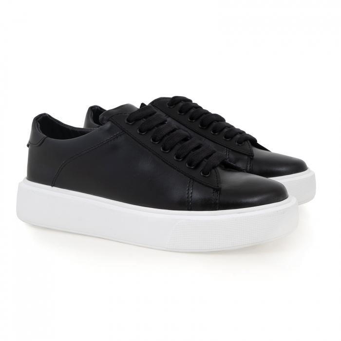 Pantofi cu talpă alba groasă, realizati din piele naturală neagra 1