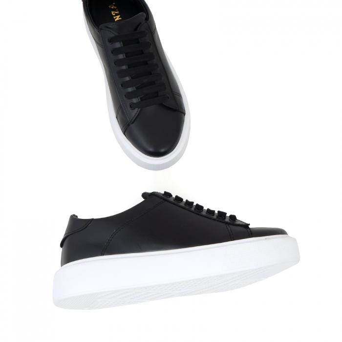 Pantofi cu talpă alba groasă, realizati din piele naturală neagra 2