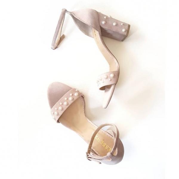 Sandale din piele intoarsa roz pudra, cu perle si toc patrat 0