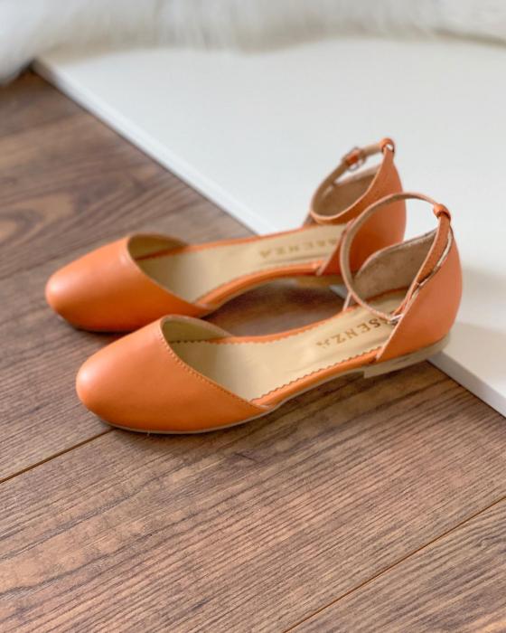 Balerini decupati pe laterale, cu bareta la staif, din piele naturala portocaliu-caramiziu 1