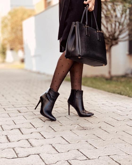 Botine Stiletto din piele naturala neagra, cu toc de 10cm 1