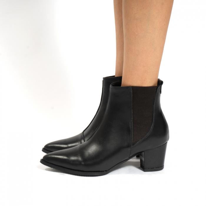 Ciocate scurte,  cu elastic, din piele naturala neagra [2]