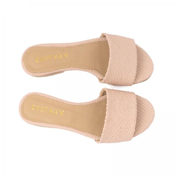 Flip flops din piele naturala roze cu textura de piele de sarpe 2