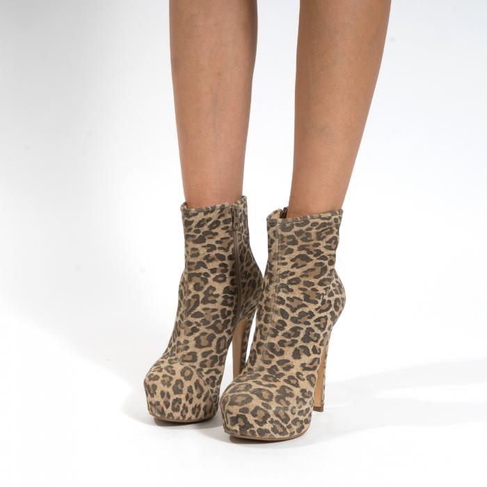 Ghete din piele naturala,animal print tip leopard,cu toc stiletto si platou interior 3