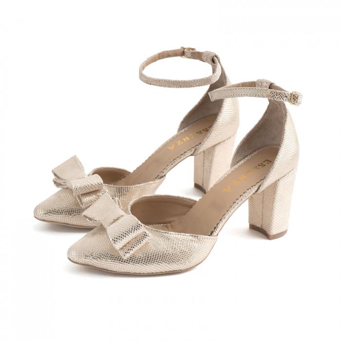 Pantofi cu decupaj si bareta la calcai, accesorizati cu funda dubla, din piele texturata aurie [1]