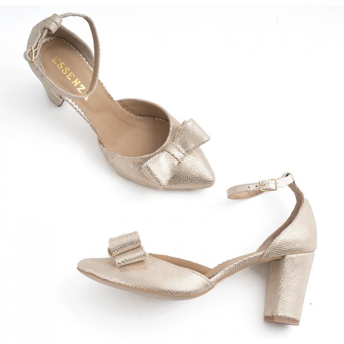 Pantofi cu decupaj si bareta la calcai, accesorizati cu funda dubla, din piele texturata aurie [2]