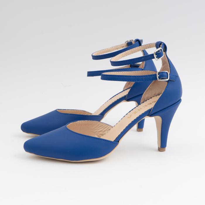 Pantofi cu decupaj si barete la calcai, din piele naturala albastra 1