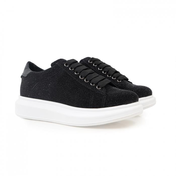 Pantofi cu talpă groasă, realizati din piele naturală neagra texturata 1