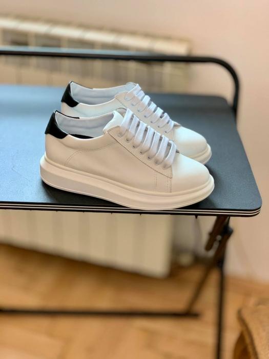 Pantofi cu talpă groasă, realizati din piele naturala alba si neagra 1
