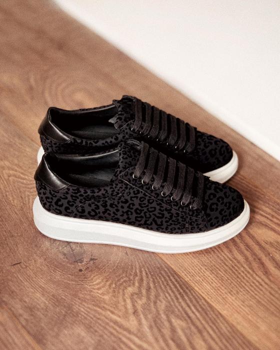 Pantofi cu talpă groasă, realizati din catifea cu animal print [0]