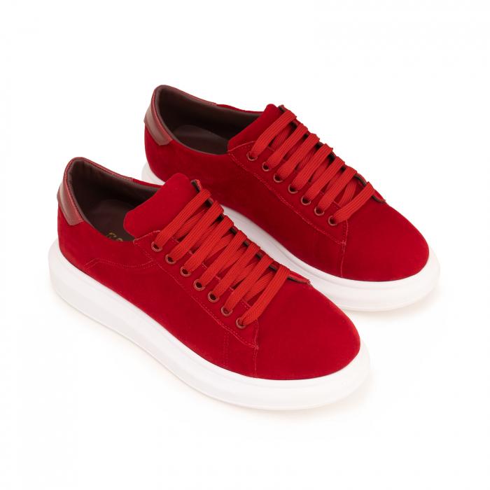 Pantofi cu talpă groasă, realizati din catifea rosie si piele naturala rosie. 2