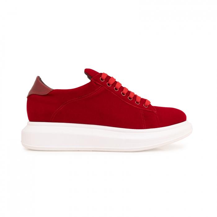 Pantofi cu talpă groasă, realizati din catifea rosie si piele naturala rosie. 0