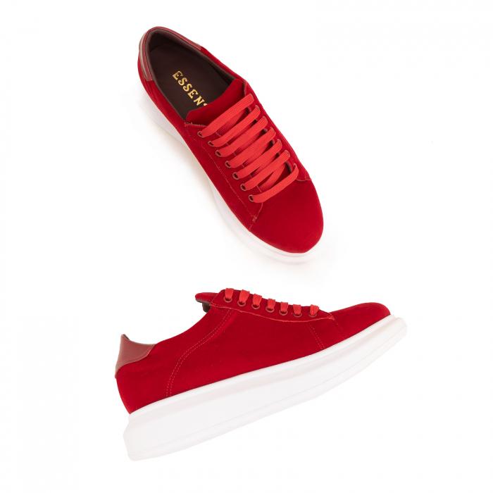 Pantofi cu talpă groasă, realizati din catifea rosie si piele naturala rosie. 3