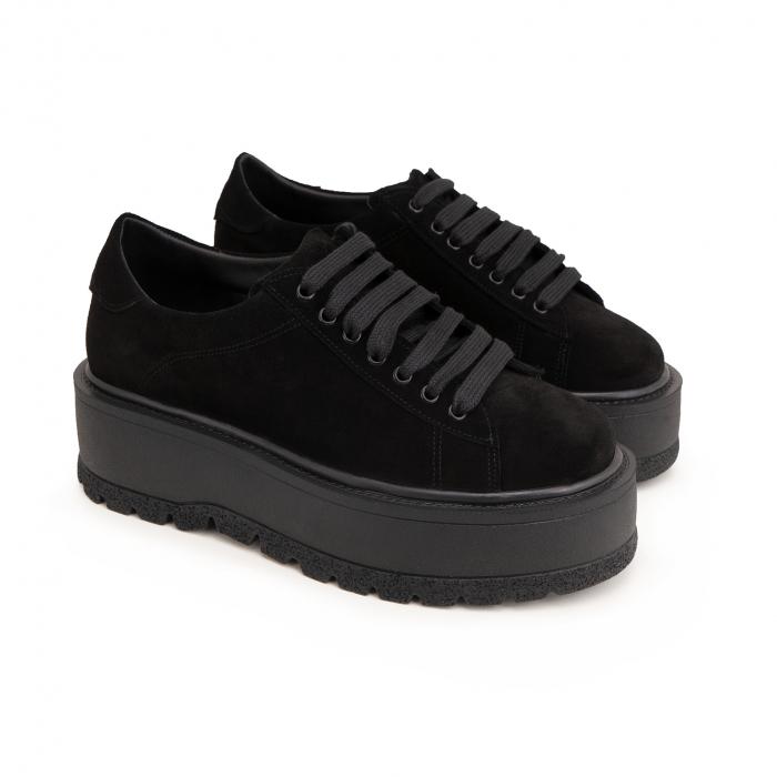 Pantofi cu talpă groasă, realizati din piele naturala intoarsa, neagra 1