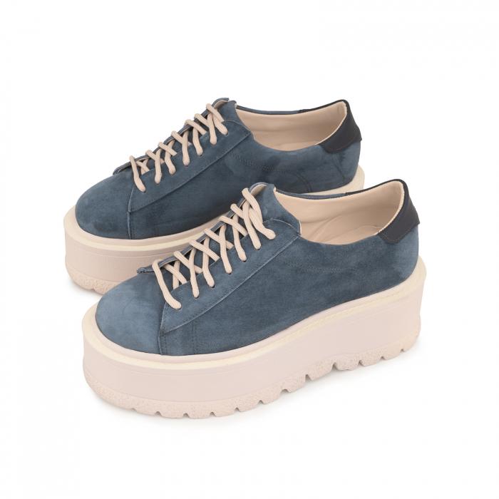 Pantofi cu talpă groasă, realizati din piele naturala intorsa, albastru deschis 2