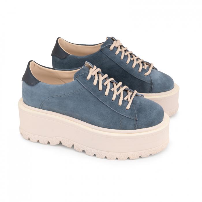 Pantofi cu talpă groasă, realizati din piele naturala intorsa, albastru deschis 1