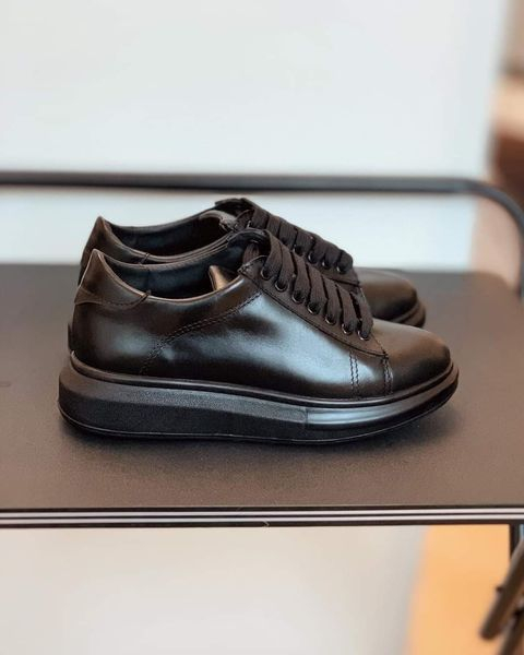Pantofi cu talpă groasă, realizati din piele naturala neagra 1