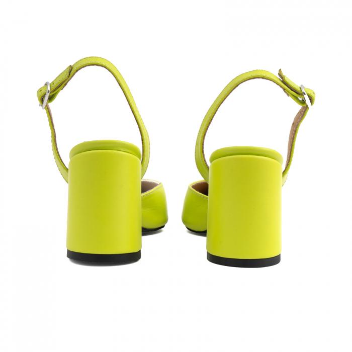 Pantofi cu varf ascutit decupati, cu bareta peste calcai, din piele naturala verde neon 4