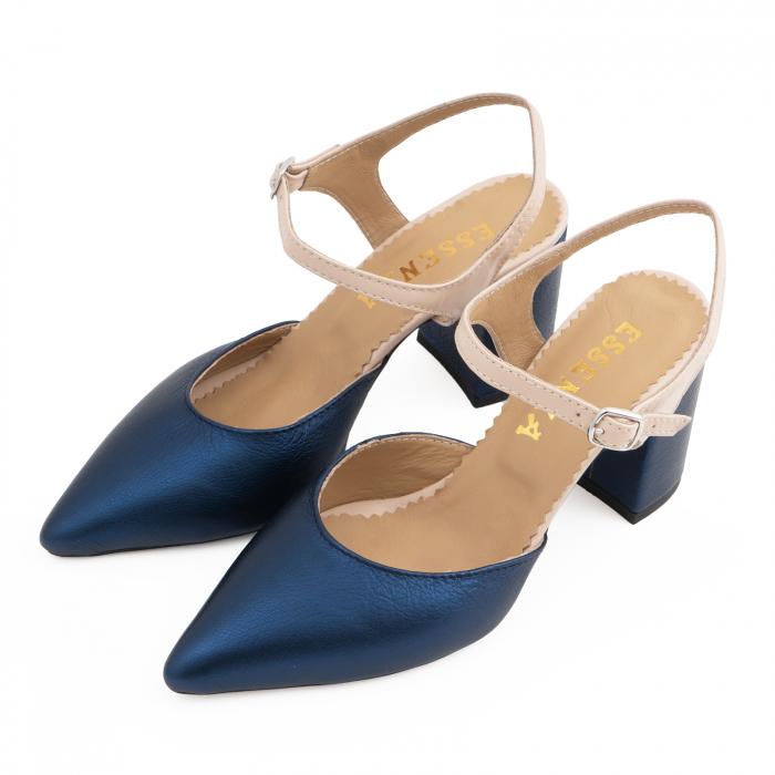 Pantofi cu varf ascutit decupati, cu bareta peste calcai, din piele nude rose si albastru laminat 2