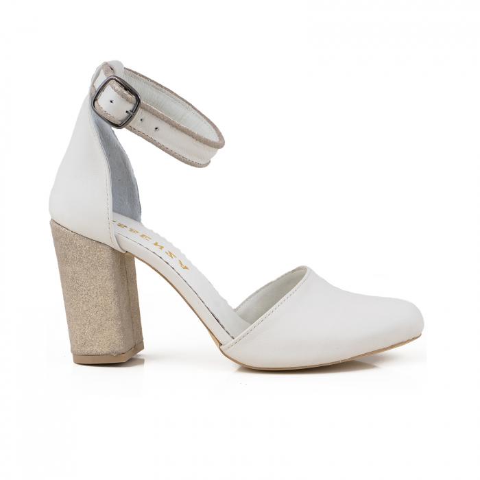 Pantofi cu varf rotund cu decupaj si bareta la calcai, din piele naturala alba si piele glitter auriu-bronz [0]