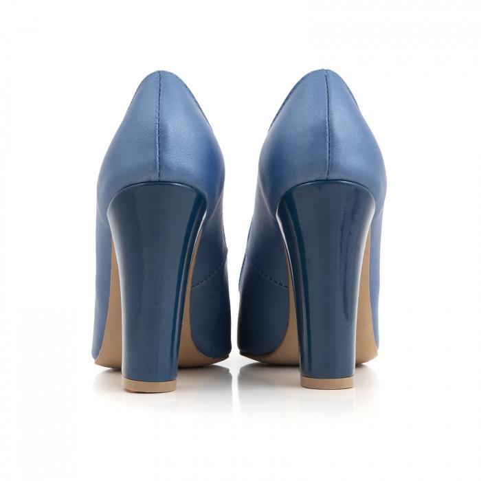 Pantofi cu varf semiascutit, din piele albastru sidef si albastru lacuit 2