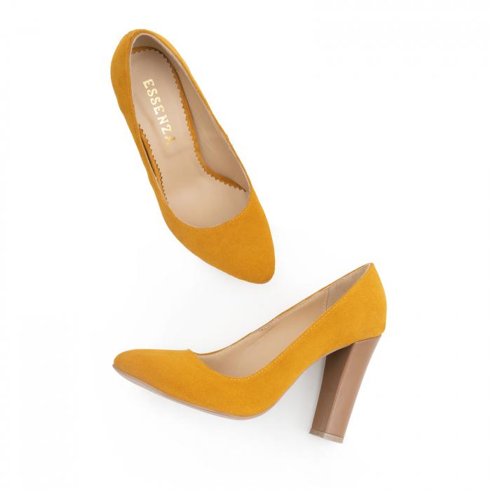 Pantofi cu varf semiascutit, din piele intoarsa galbena si piele maron camel 1