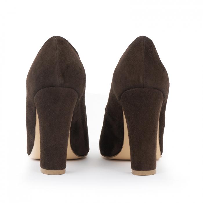 Pantofi cu varf semiascutit, din piele intoarsa maron 2