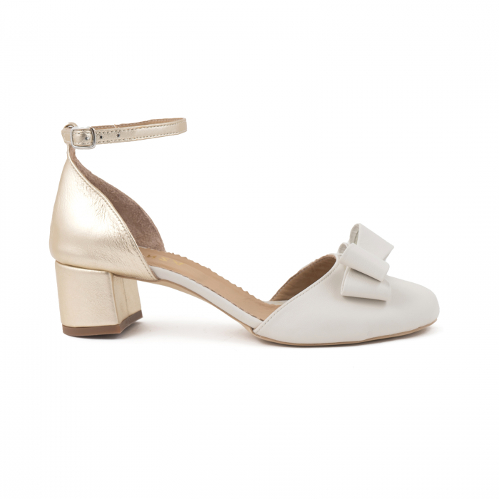 Pantofi decupati cu varf rotund, din piele naturala alba si piele laminata auriu-pal 0
