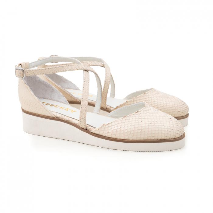 Pantofi decupati, din piele naturala bej cu presaj sarpe 1
