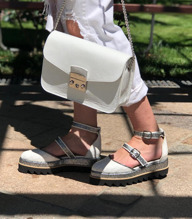 Pantofi decupati, din piele naturala cu textura tip croco si piele texturata in nuante de negru si argintiu [5]