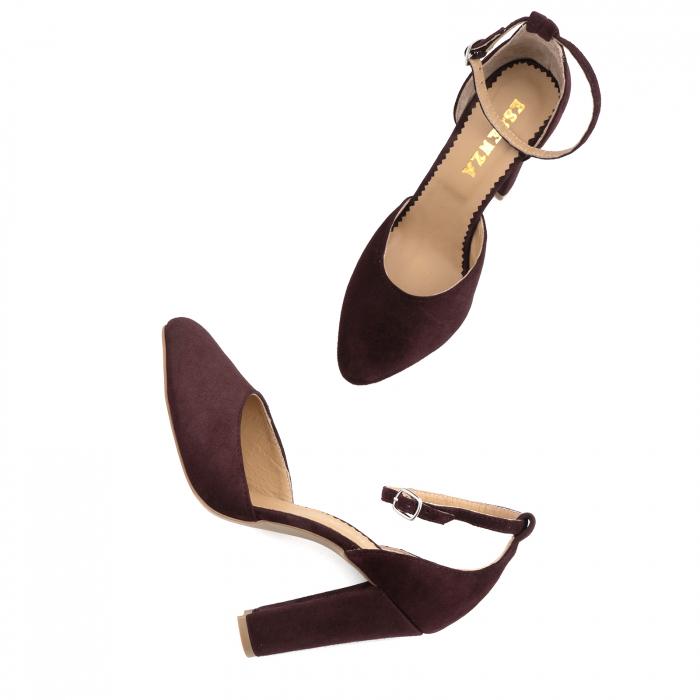 Pantofi din piele intoarsa visinie, cu varf semi-ascutit si decupaj interior si exterior 3