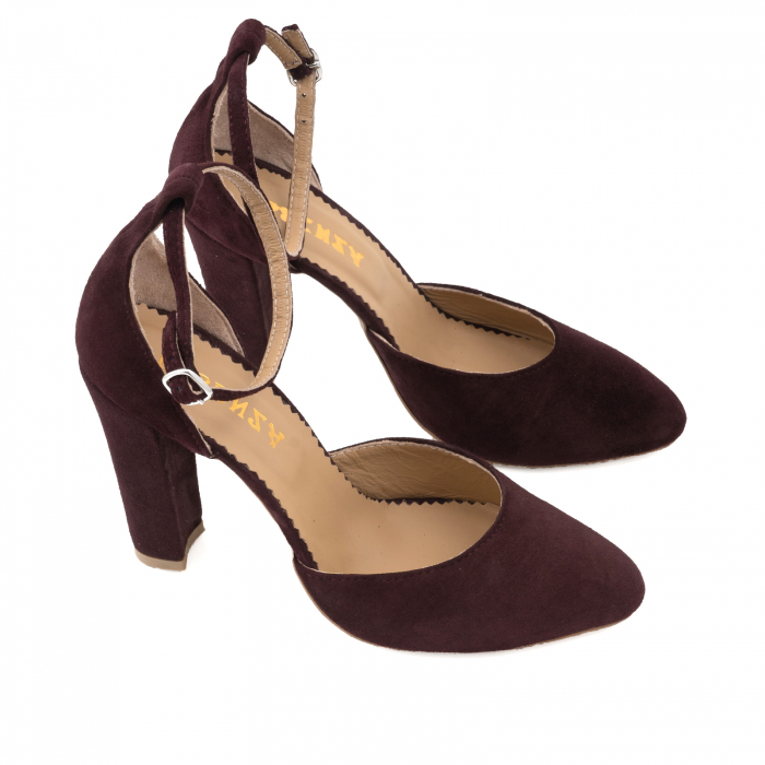 Pantofi din piele intoarsa visinie, cu varf semi-ascutit si decupaj interior si exterior 2