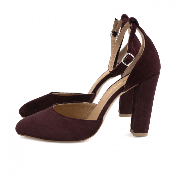 Pantofi din piele intoarsa visinie, cu varf semi-ascutit si decupaj interior si exterior 1