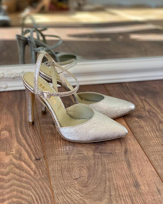 Pantofi din piele laminata argintiu texturat, cu varf ascutit [2]