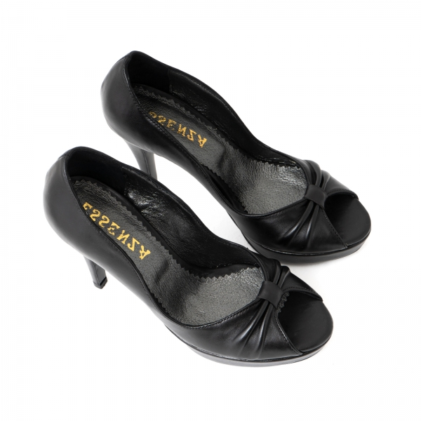Pantofi din piele naturala neagra, cu varful decupat in detaliu din pliuri prinse intr-un inel 2