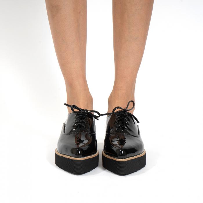 Pantofi oxford, cu varf ascutit, din piele naturala lacuita, neagra. 3