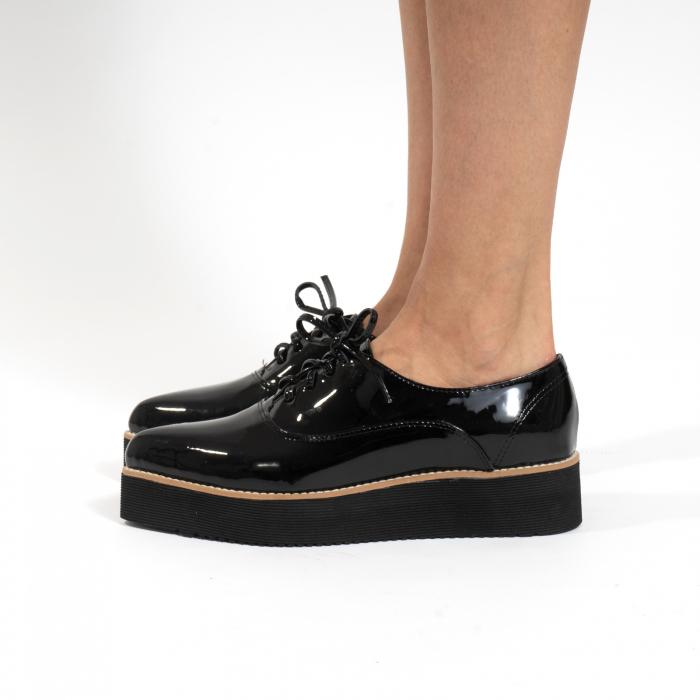 Pantofi oxford, cu varf ascutit, din piele naturala lacuita, neagra. 1