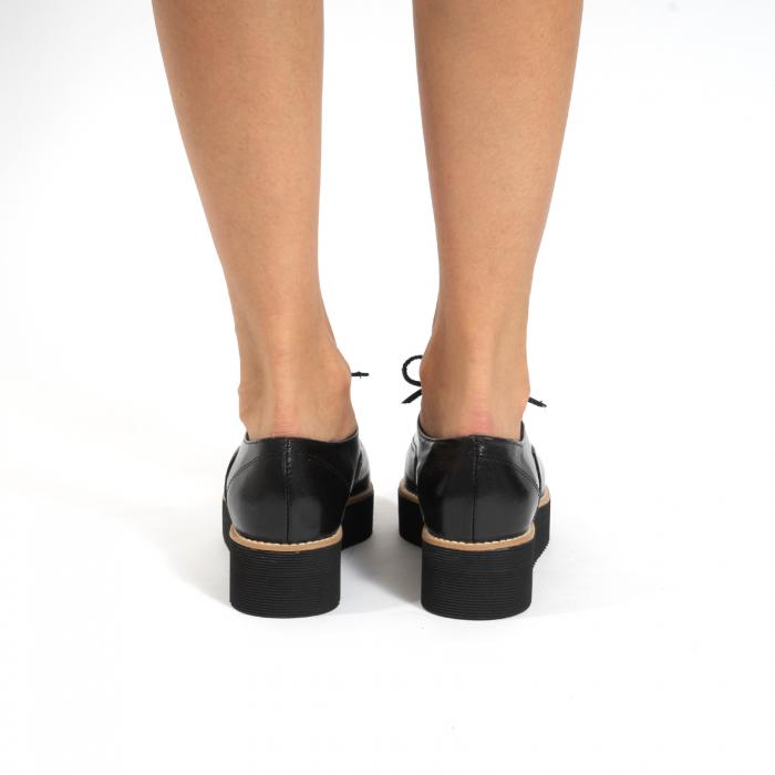 Pantofi oxford, cu varf ascutit, din piele naturala neagra. 4