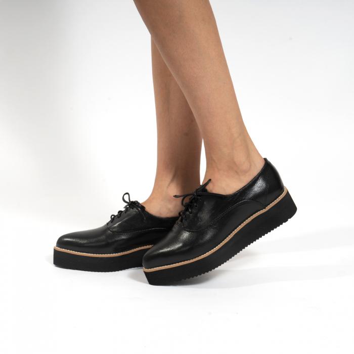 Pantofi oxford, cu varf ascutit, din piele naturala neagra. 0